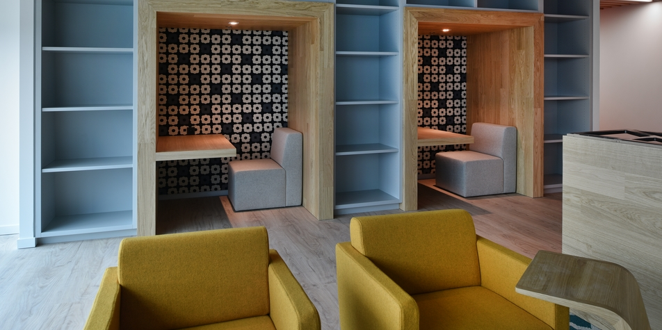 coca cola chauss e de mons 165 1070 bruxelles. Black Bedroom Furniture Sets. Home Design Ideas